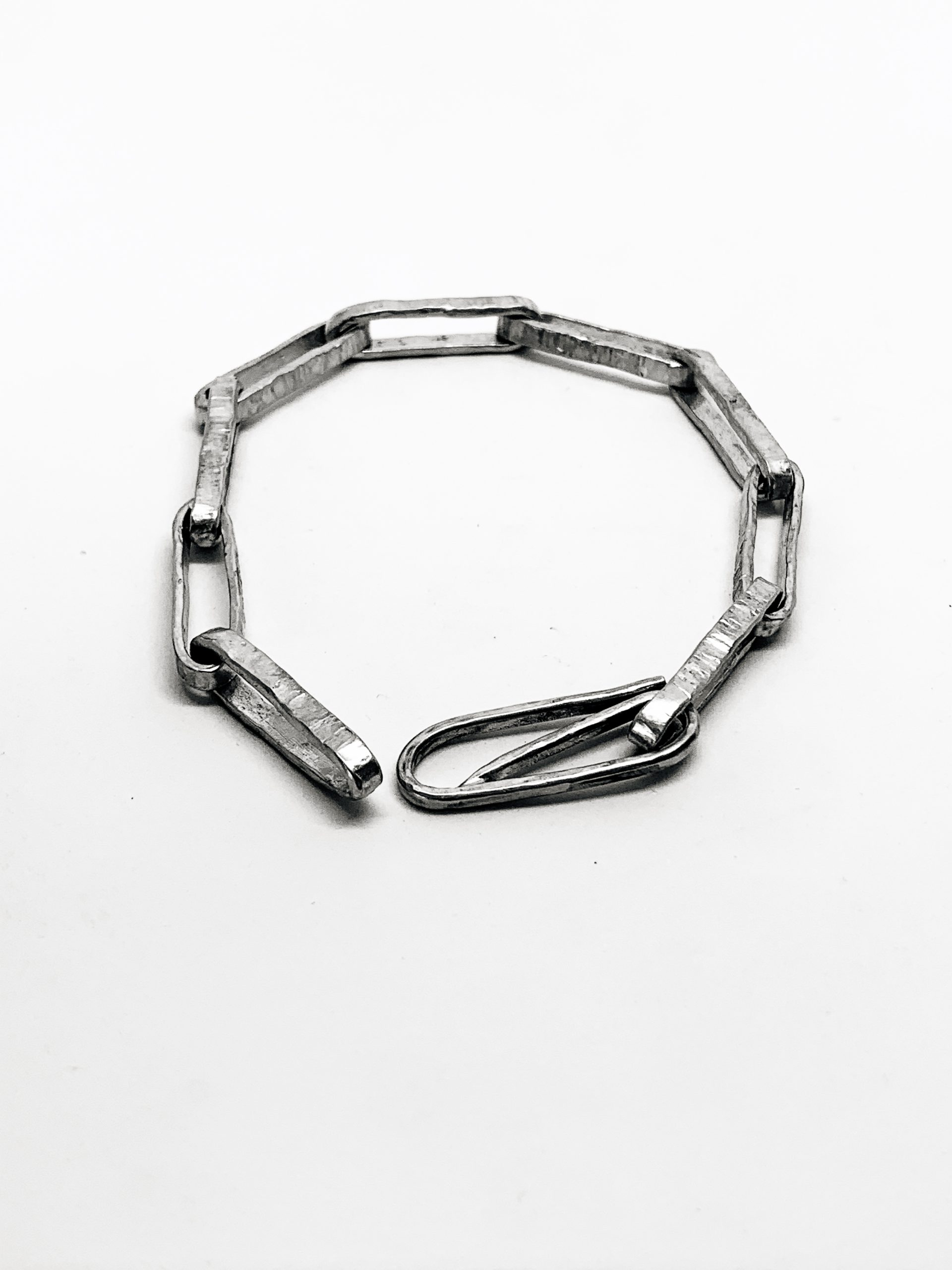 Chain Reaction – Narrow Oval Chain Bracelet in Sterling Silver