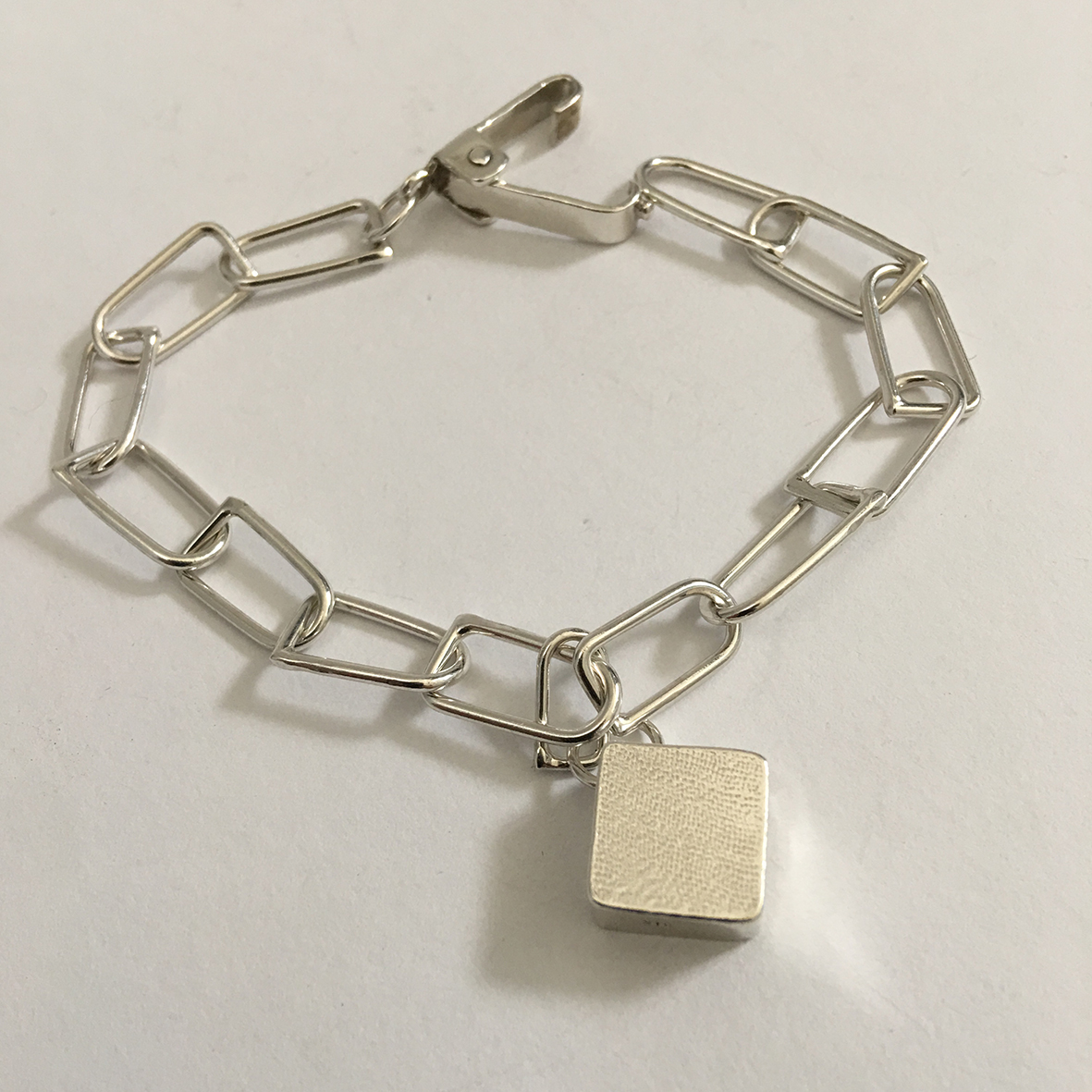 Chain Reaction – D Link Bracelet Chain with 3D Box Charm in Sterling Silver