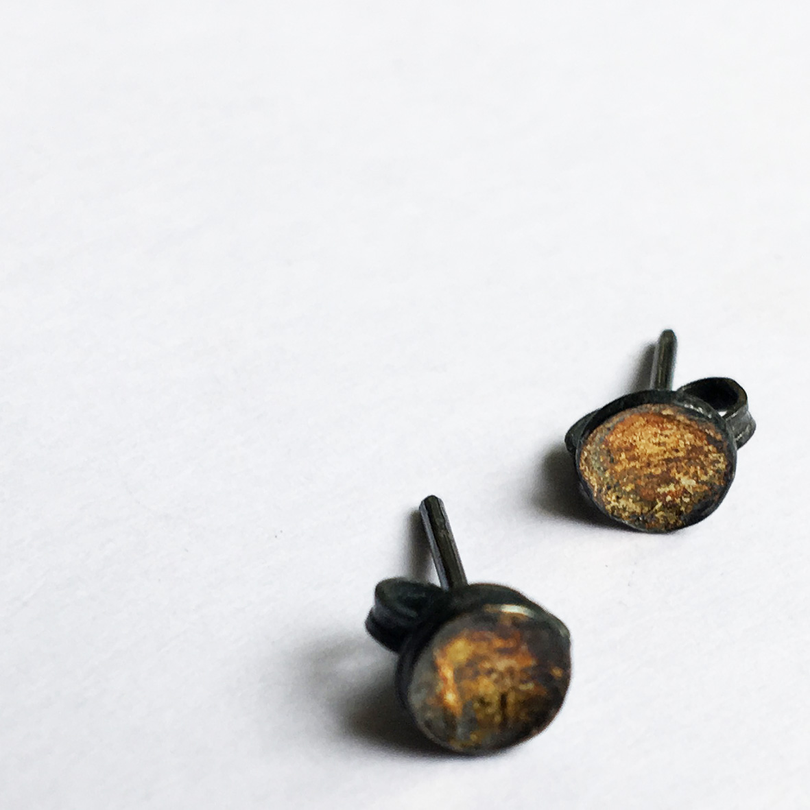 Abstract-Concave-Shell-Stud