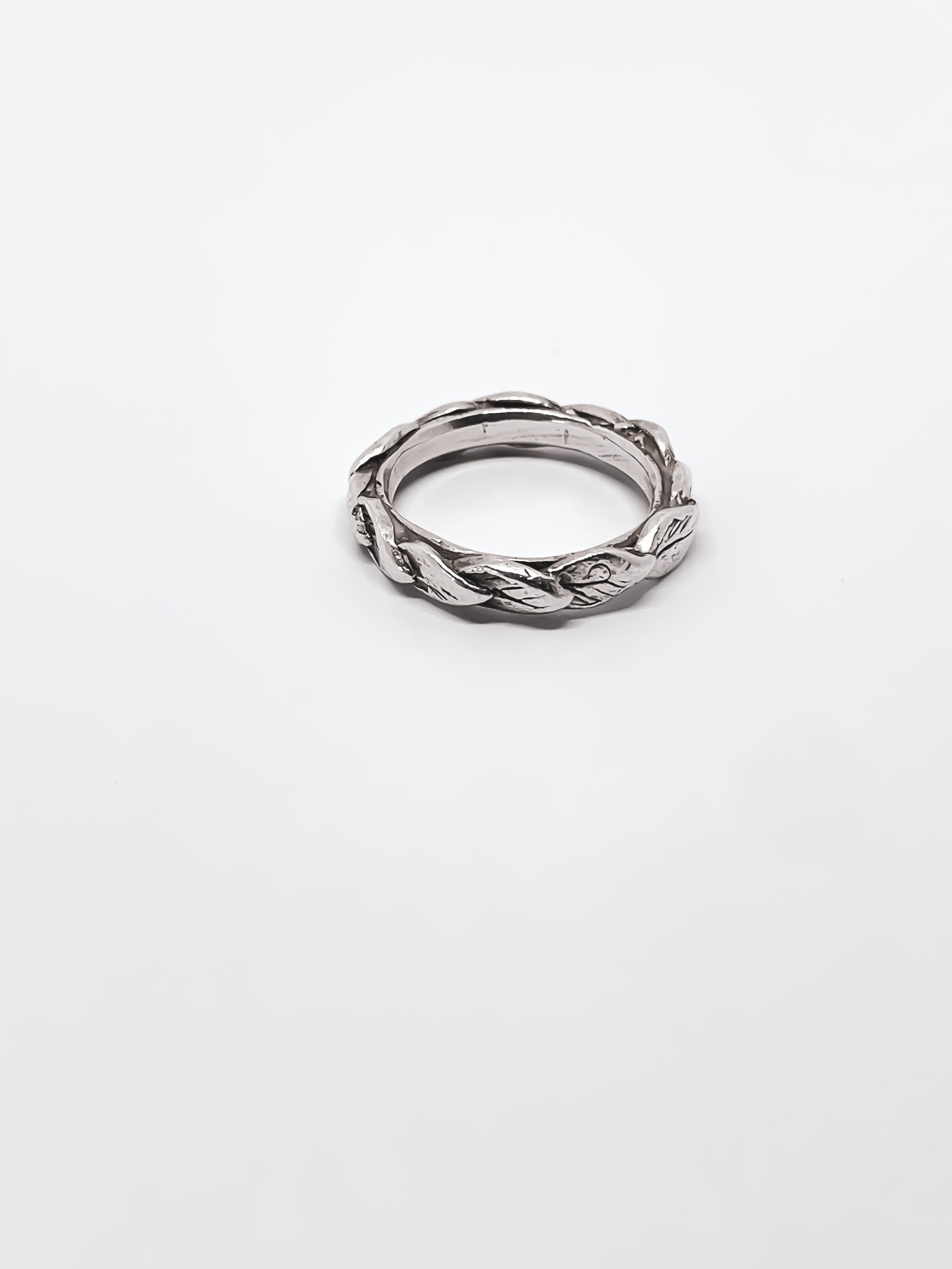 REVEALED – Single Leaf Stacking Ring in Sterling Silver