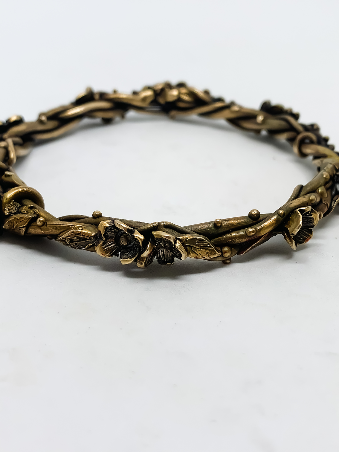 Entwined – Flower and Leaf Bangle – Bronze