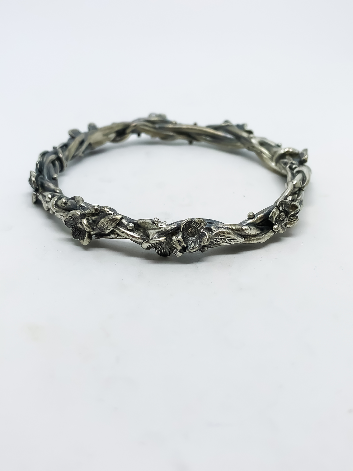 Entwined – Flower and Leaf Bangle – Sterling Silver